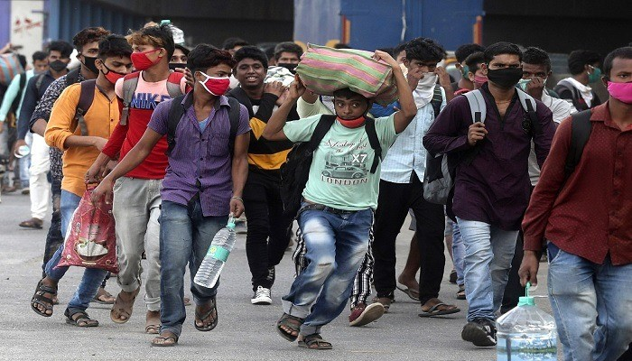 الهند تتحدى كورونا وتستأنف الرحلات الداخلية