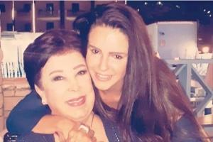دنيا عبدالعزيز تطمئن الجمهور على الحالة الصحية لرجاء الجداوي