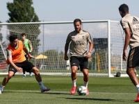 دقيقة حداد في تدريبات ريال مدريد على أرواح ضحايا كورونا