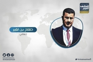 """بعد أوامره بخروج السلاح من معسكرات الاحتلال..""""بن لغبر"""" يوجه سؤال ناري لنجل هادي"""