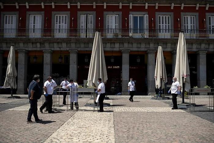 إسبانيا تخفف إجراءات العزل بدءًا من الأسبوع المقبل