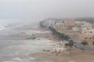 تحذيرات من أمطار غزيرة في المهرة وسقطرى