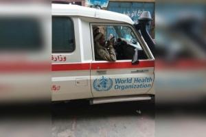 سيارات إسعاف في جبهات القتال.. الحوثي يتلاعب بالمساعدات