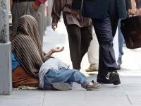 """الأرقام تتكلم عن المأساة.. الحرب الحوثية ومستنقع """"الفقر"""" الكبير"""