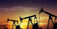 خفض الإنتاج يوجه أسعار النفط لأكبر ارتفاع منذ 21 سنة