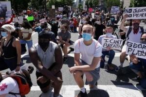مدن أمريكية تمدد حظر التجول بسبب أزمة «فلويد»