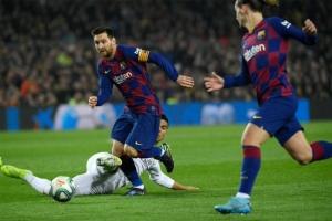 برشلونة يعود للتدريبات بشكل كامل للمرة الأولى بعد كورونا