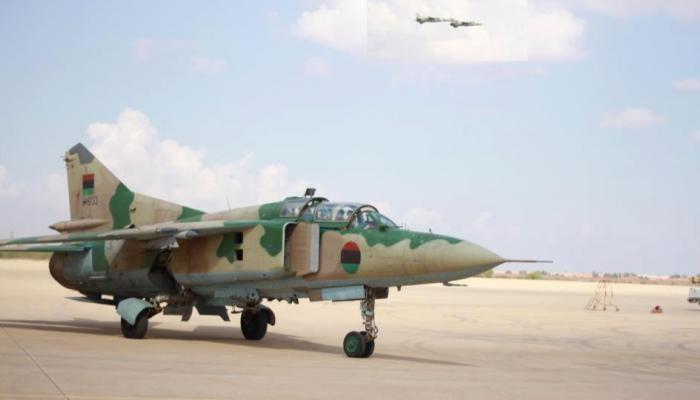 الجيش الليبي يقصف قاعدة معيتيقية شرقي طرابلس