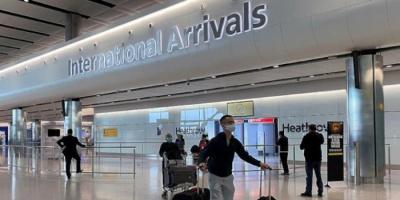 بريطانيا تدرس إلغاء الحجر الطبي للقادمين من الخارج