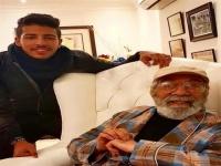 حفيد محمود ياسين يحتفل بعيد ميلاد جده