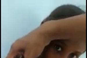 بقنبلة حوثية.. استشهاد طفل وإصابة شقيقته في حيس (فيديو)