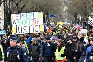 اشتباكات بين الشرطة الفرنسية ومتظاهرين في باريس