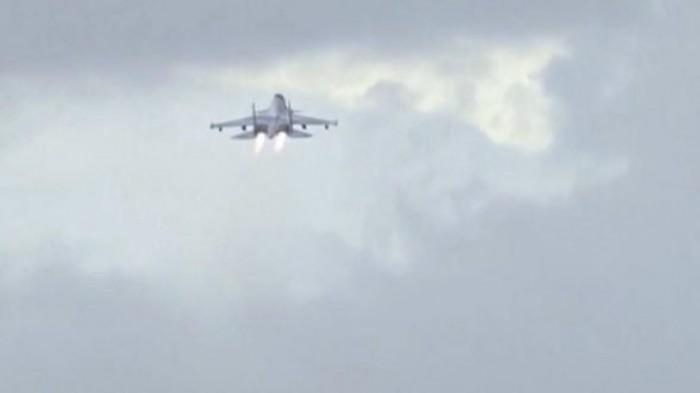 للمرة الأولى منذ وقف اطلاق النار بسوريا.. روسيا تشن غارات في اللاذقية