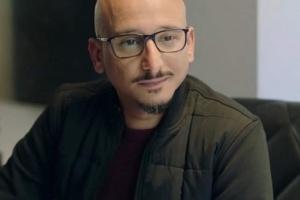 وفاة والد الفنان خالد منصور