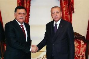 برلماني مصري عن زيارة السراج لتركيا: سيتلقى الأوامر من سيده أردوغان