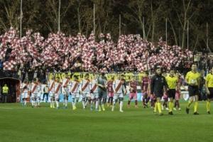 استئناف منافسات كرة القدم في إسبانيا بإقامة شوط واحد من مباراة بالدرجة الثانية