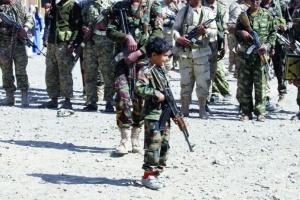 كورونا وخِسة الحوثي.. المليشيات تستغل الجائحة في تجنيد الأطفال