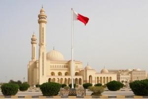 البحرين تؤجل قرار عودة صلاة الجمعة