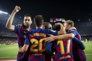 إنييستا: آمل أن يتوج برشلونة بالليجا