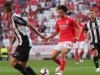 بنفيكا يتعادل مع تونديلا ويهدر فرصة الانفراد بقمة الدوري البرتغالي