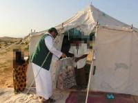 مساعدات إيوائية لـ25 أسرة تضررت من سيول حصوين