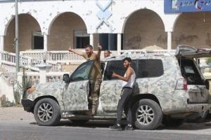 سياسي سعودي يكشف سبب سقوط ترهونة في يد مليشيات الوفاق