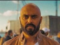 أحمد صلاح حسني لجمهوره :نتحمل الشهر ونصف المقبلين لتخطي كورونا