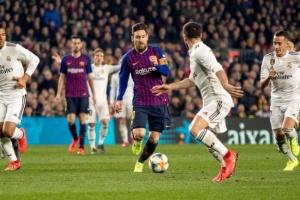 أسطورة الفريق: قائمة ريال مدريد أفضل من برشلونة