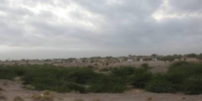 قصف حوثي للمدنيين في الجبلية بالتحيتا
