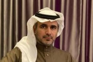 مدون سعودي بارز يفتح النار على الجزيرة القطرية
