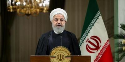 روحاني يُحمل برلمانيين وسياسيين مسؤولية تفشي كورونا بالبلاد