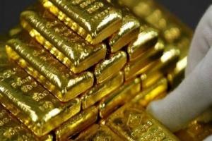 """الذهب يتراجع 2% بفعل التفاؤل بتراجع التداعيات السلبية لجائحة """" كوفيد - 19 """""""