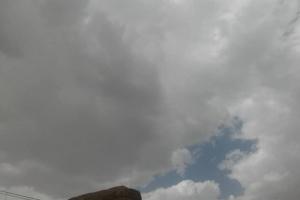 سحب تُمهد لهطول أمطار بحضرموت والمهرة