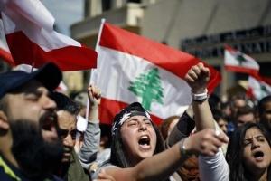 احتجاجات في لبنان لمكافحة الفساد ووقف الانهيار الاقتصادي