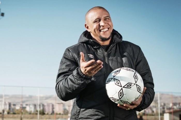 روبرتو كارلوس يكشف سبب عدم تتويج الجيل الذهبي لريال مدريد بالبطولات