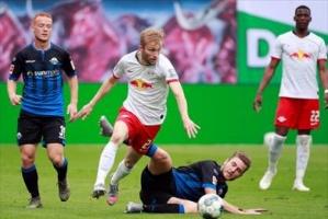 لايبزيج يتعادل أمام بادربورن في الدوري الألماني
