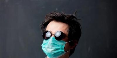 """تحذير.. """"النظارات الشمسية"""" مرتع خصب لفيروس كورونا"""