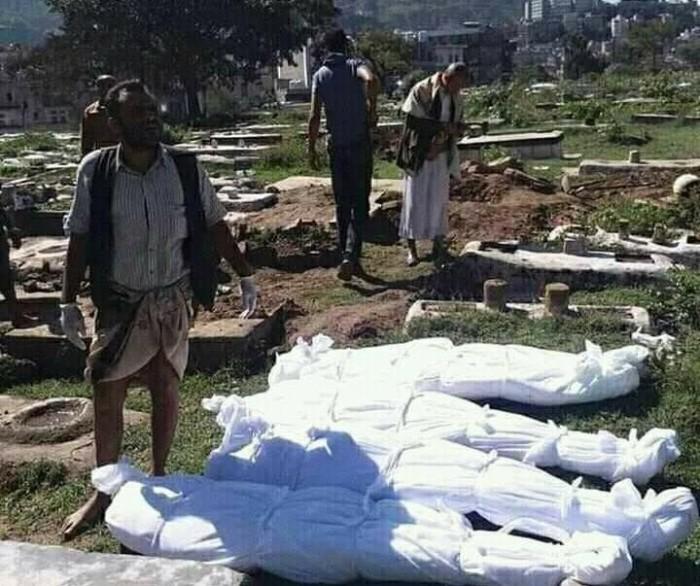 مقابر كورونا في إب.. تجارة رخيصة تحت أعين الحوثي