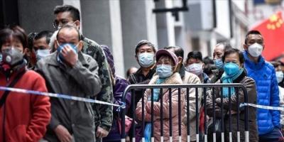 ظهور بؤر جديدة لـ«كورونا» يُغلق أجزاءً من بكين