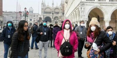 الحكومة الفرنسية تطالب المواطنين باستخدام الكمامات القابلة لإعادة الاستخدام