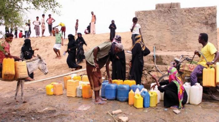 مسؤول أممي: حلول مبتكرة لتوصيل المياه إلى نازحي اليمن
