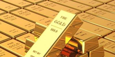 إجراءات دعم المركزي الأمريكي تدفع الذهب إلى الصعود والأوقية تسجل 1726 دولار