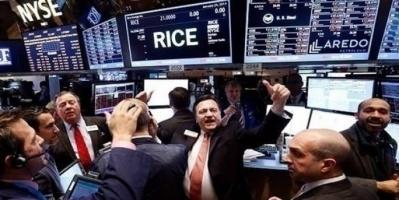 بورصة وول ستريت تفتح تداولاتها على ارتفاع ومبيعات التجزئة تقفز 18%
