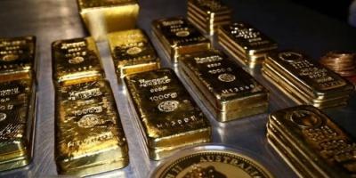 ارتفاع الدولار يكبح بريق الذهب والأوقية تستقر عند 1727 دولار