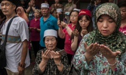 أمريكا تفرض عقوبات على مسؤولين صينيين بسبب انتهاكات ضد مسلمي الإيغور
