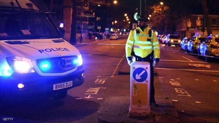 الشرطة البريطانية تلقي القبض على مشتبه به بعد قتل 3 أشخاص طعنًا