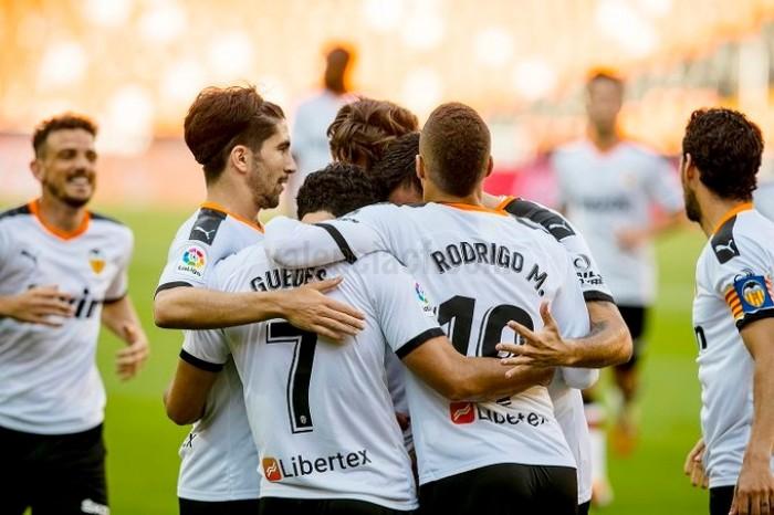 فالنسيا يهزم أوساسونا بثنائية في الدوري الإسباني ويجدد آماله باللعب في أوروبا