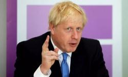 """معتقل بريطاني في سجون إيران يستغيث بـ""""جونسون"""""""