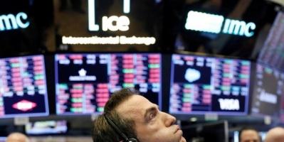 الأسهم الأمريكية تتراجع بفعل زيادة إصابات كورونا