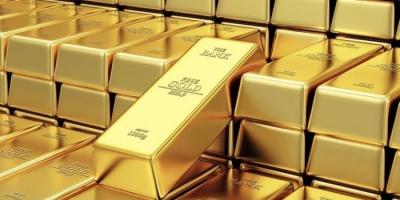 الذهب ينخفض 1% والأوقية تسجل 1760.62 دولاراً